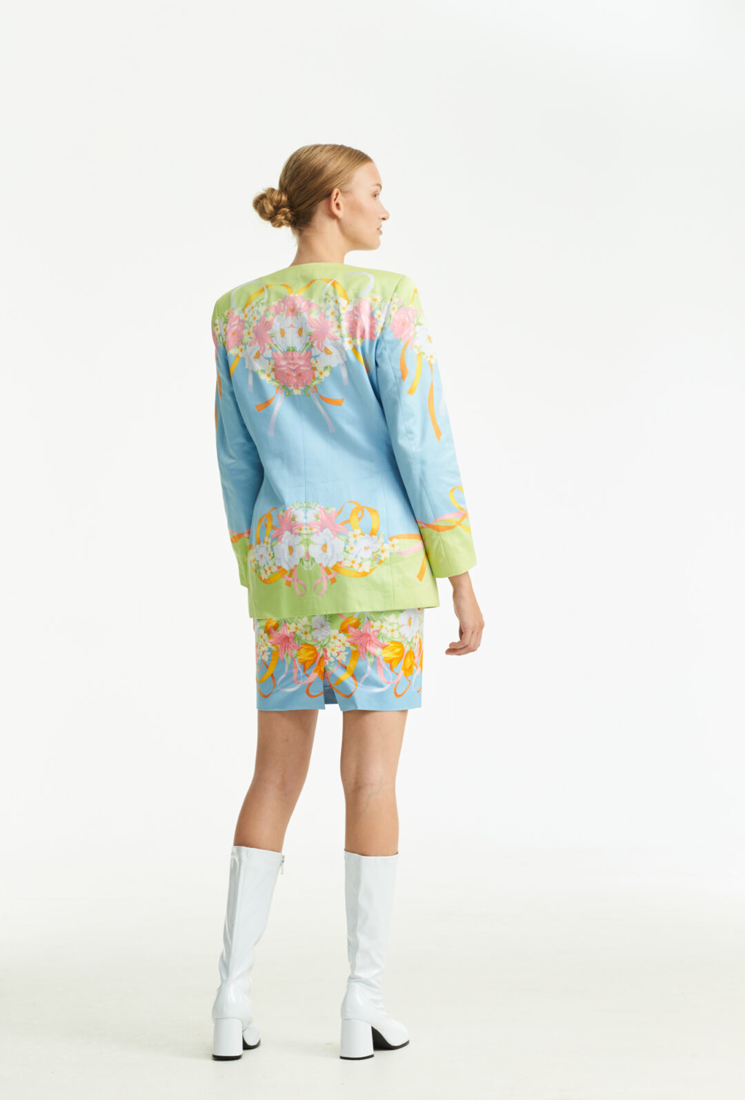 Collect23_Escada suit